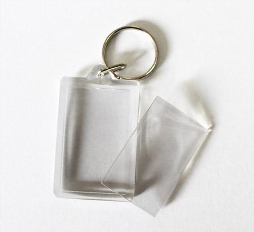 breloc plastic transparent